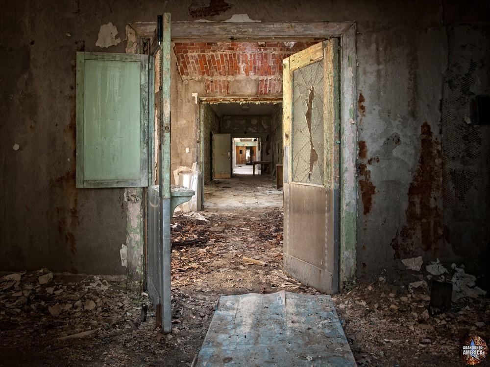 Pennhurst State School (Spring City, PA)   Hospital Interior - Pennhurst State School and Hospital