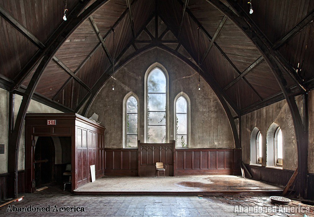 St. Peter's Episcopal Church (Germantown, PA)  | Abandoned America