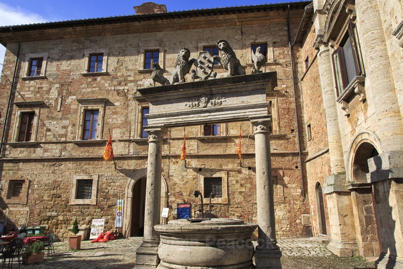 Medici Well - Slovenia and Tuscany