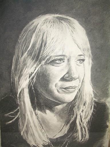 Hannah - Charcoal