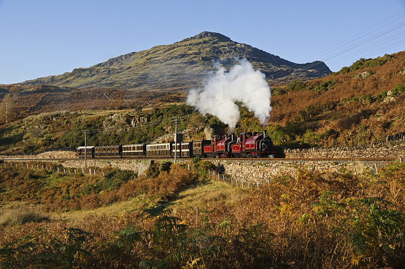 Snowdonian autumn steam - The Lure of Steam