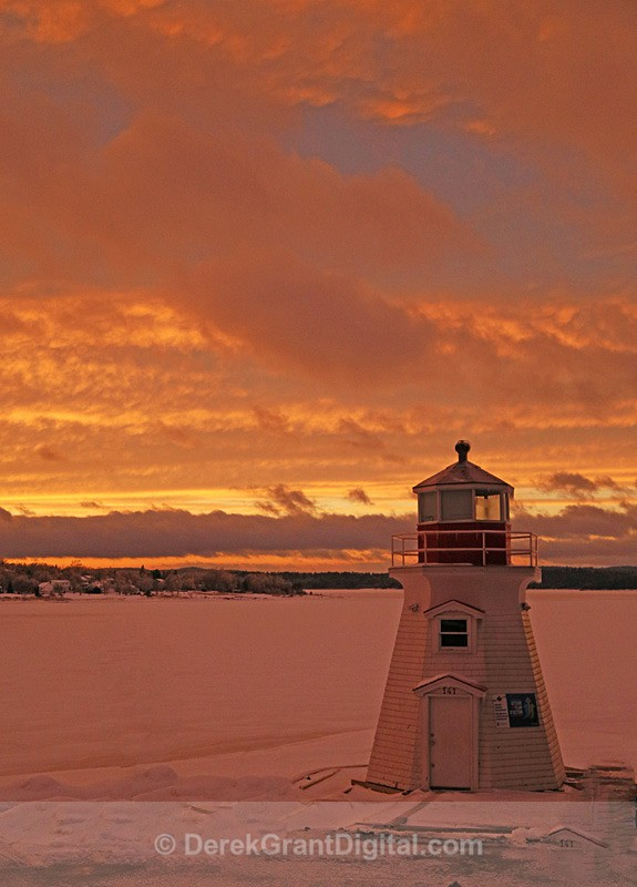 Renforth Lighthouse Sunset - Sunset/Moonrise