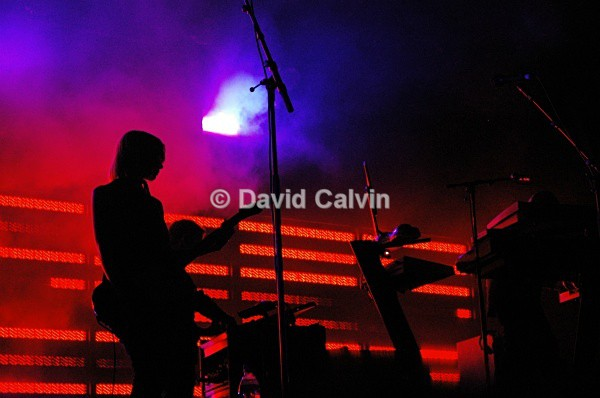 Massive Attack 3 - Live Artists