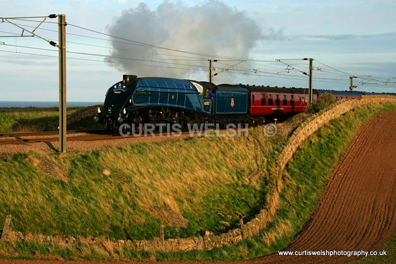 60007 Sir Nigel Gresley-Lamberton  16 April 2011 - Preserved Railways