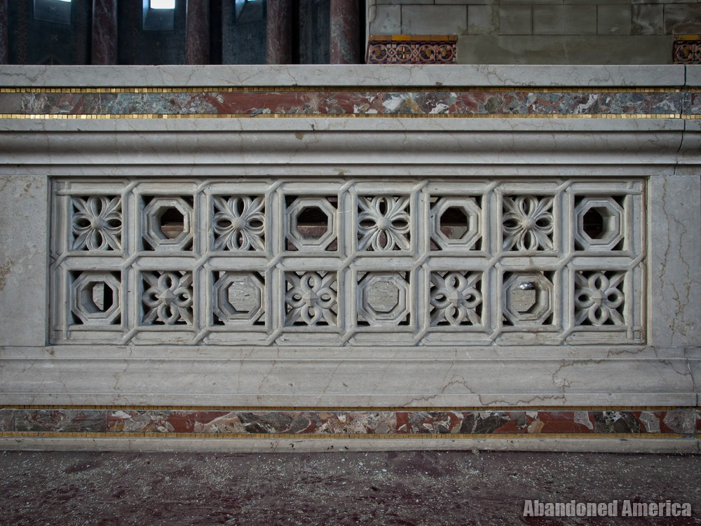 Church of the Transfiguration (Philadelphia, PA) | Altar Ornamentation - The Church of the Transfiguration