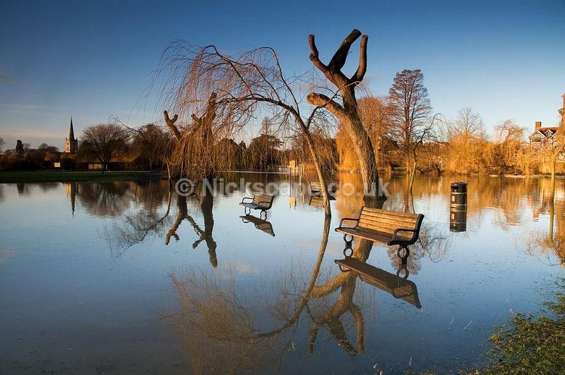 Flooded Avon at Stratford Recreation Ground   Stratford upon Avon Photography