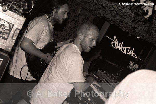 36 rsl - Sub Tub @ music box 02.06.02