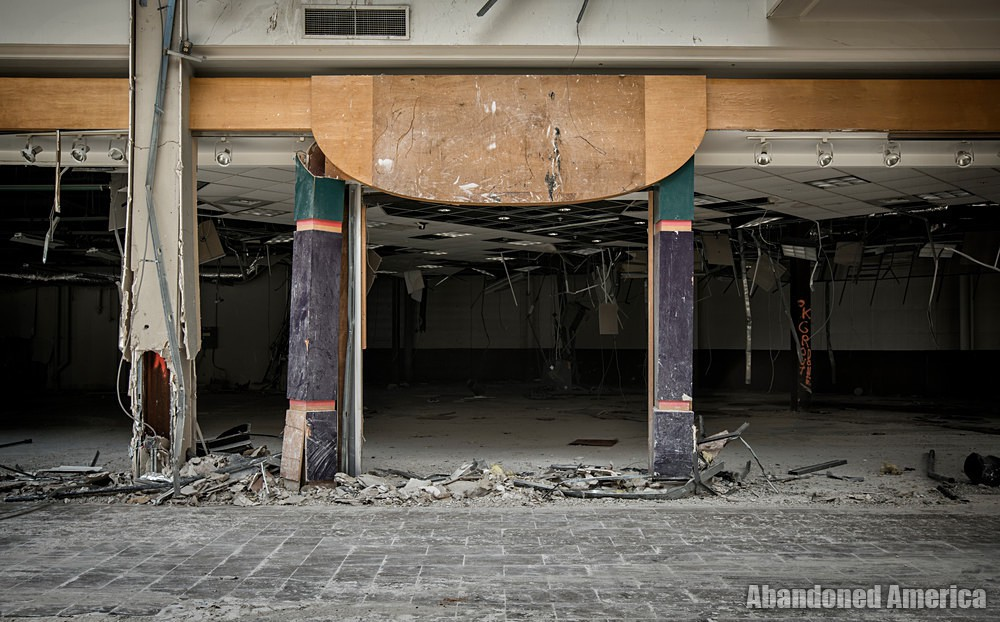 Owings Mills Mall (Owings Mills, MD) | Shredded Store Entrance - Owings Mills Mall