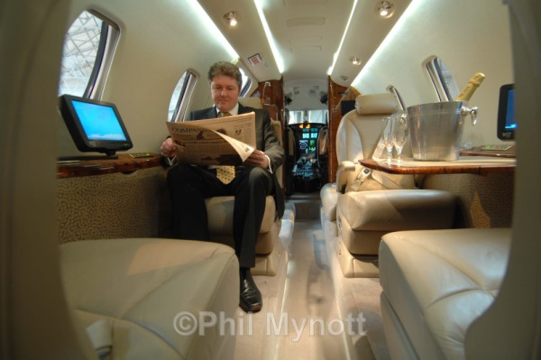 FBO Aviation photography UK France Italy Europe Professional photographer Press  PR Annual report