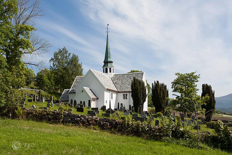 Halsa kirke 20110605-IMG_1948_5 - Kirker