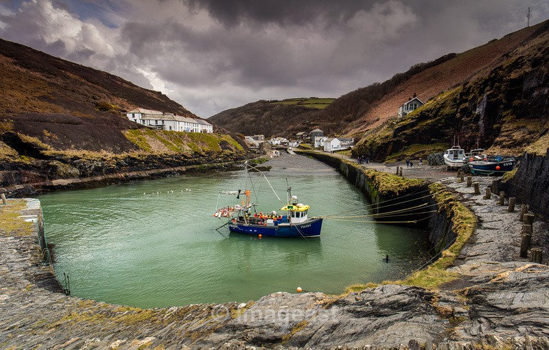 Boscastle Harbour - The Gallery