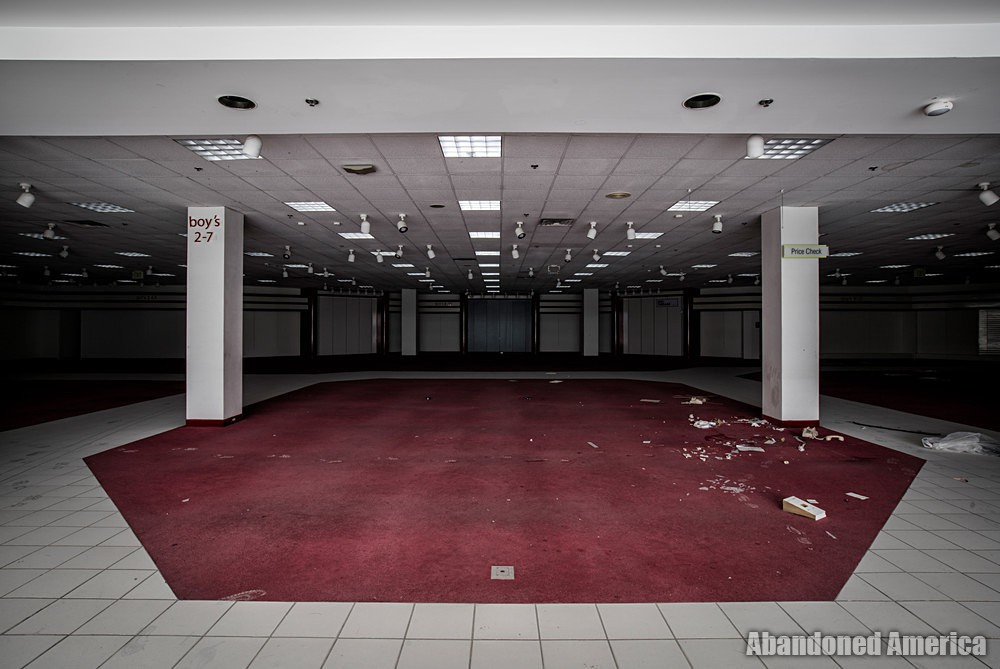 Owings Mills Mall (Owings Mills, MD) | Empty Boys Section - Owings Mills Mall