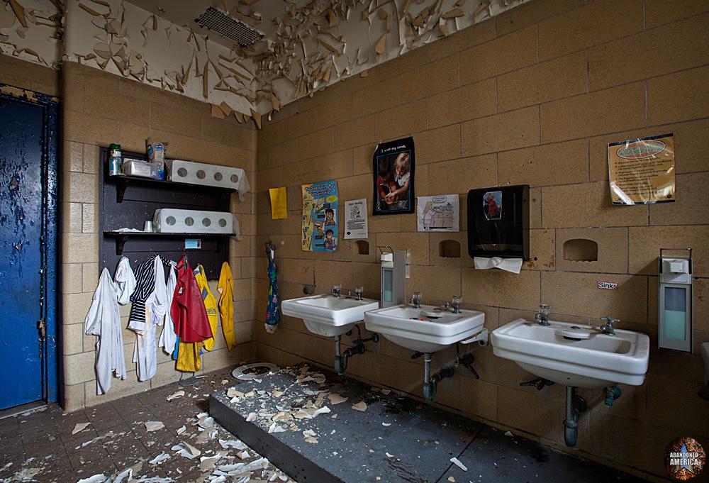 Rockland State Hospital (Orangeburg, NY) | Hanging Coats - Rockland State Hospital