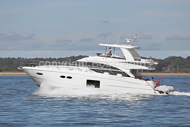 160826 PRINCESS 56 Y92A5837 - Flybridge Cruisers