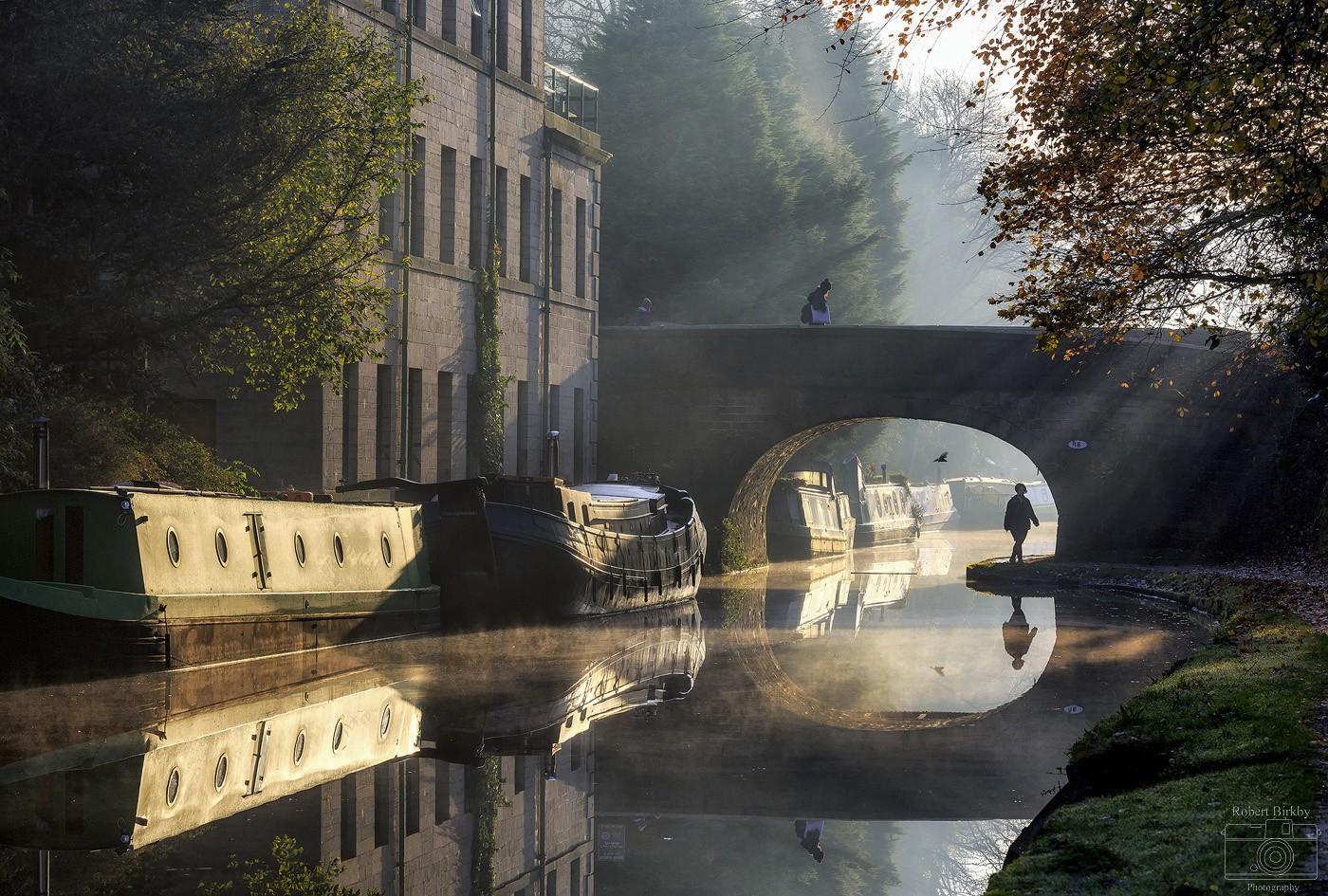 Canal Commuters - Calderdale Landscapes
