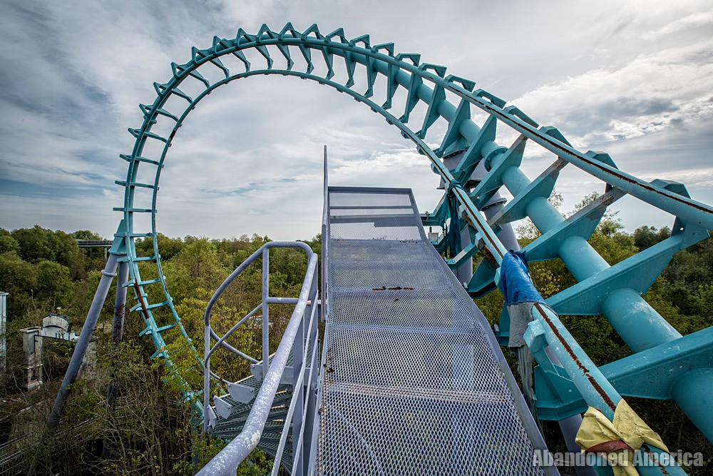 Six Flags (New Orleans, LA) | Zydeco Screamer Platform - Six Flags New Orleans