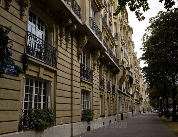 - Paris 1
