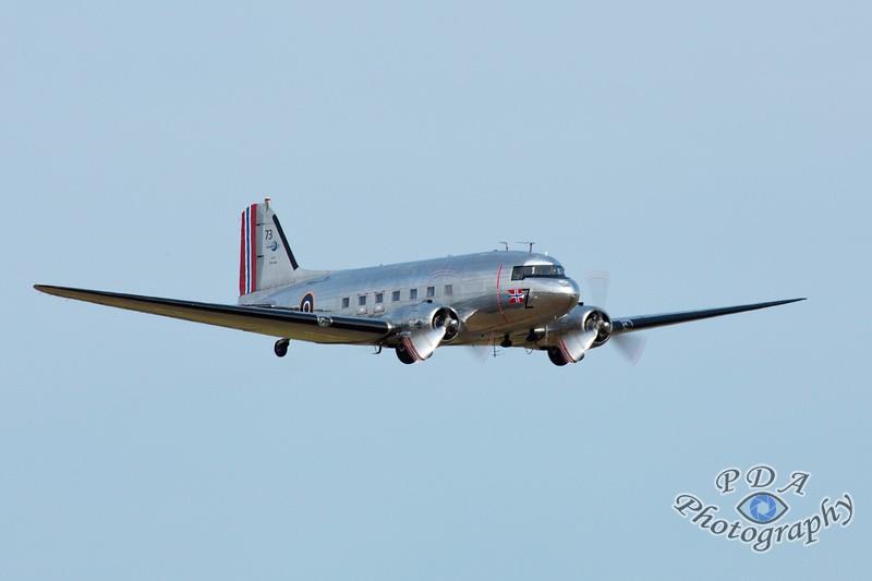 3 Douglas DC-3