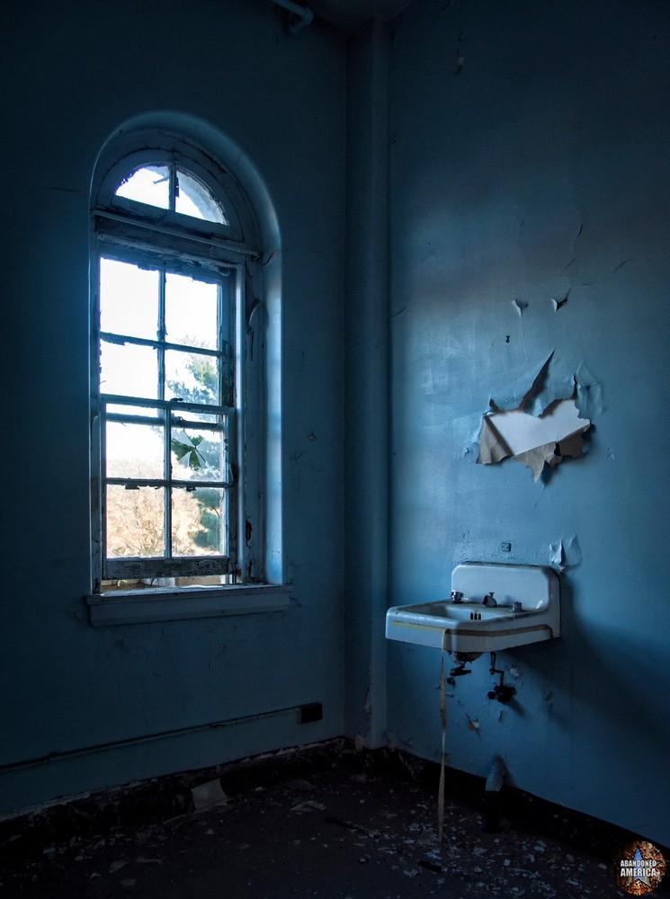 Sydenham/Montebello Hospital (Baltimore, MD)   Dramatic Sink - Sydenham/Montebello Hospital