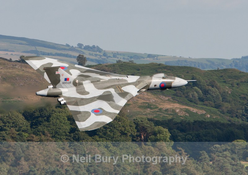 Vulcan XH558 - Published Images