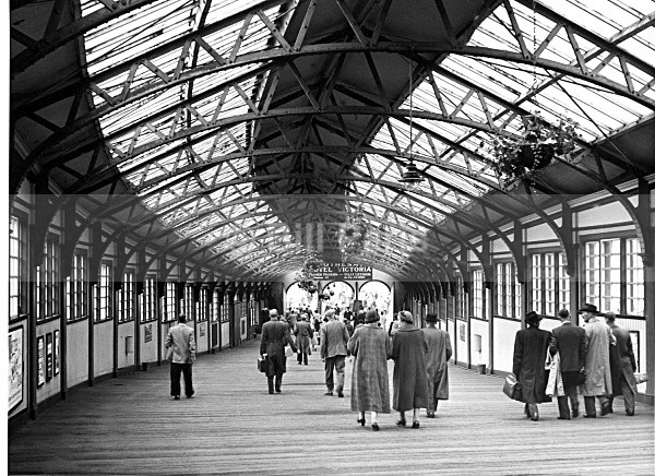 Rail Boat Terminal Wemyss Bay Clyde Coast 1960 - Land and Sea