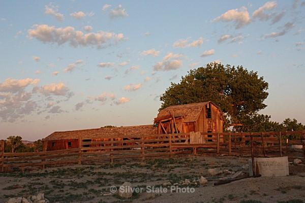 Sunrise Barn - Buildings