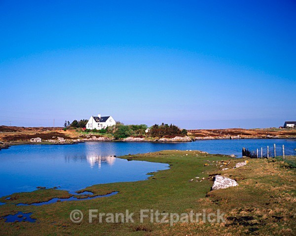 The old school house, Loch Carnan, South Uist, Outer Hebrides. - Island of South Uist in the Outer Hebrides