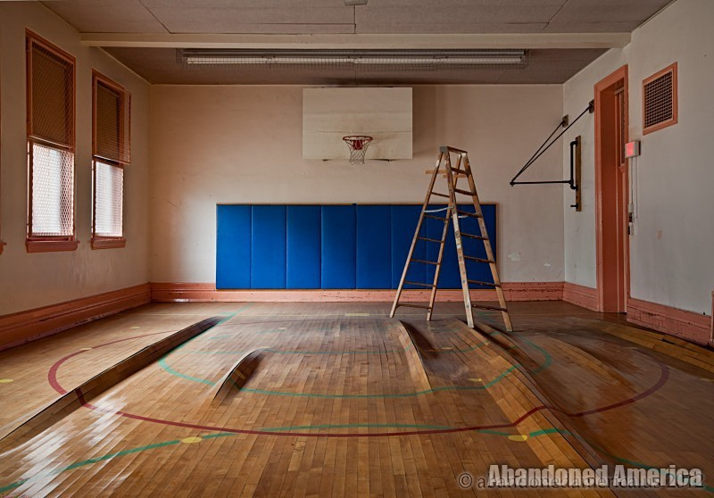 Abandoned School - Matthew Christopher's Abandoned America
