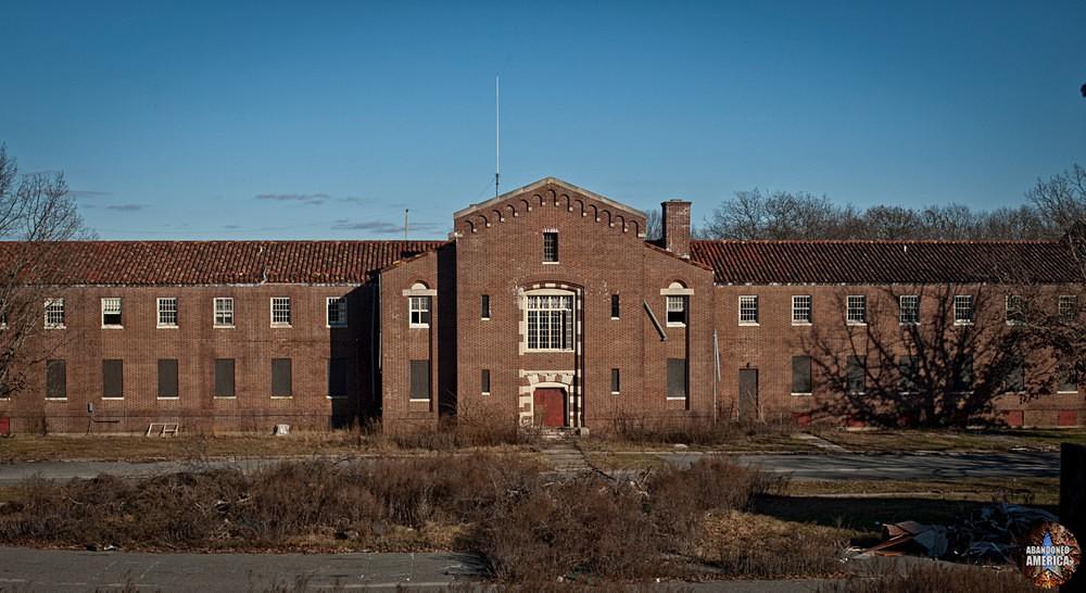 Pilgrim State Hospital (Brentwood, NY) | Administration Building - Pilgrim State Hospital