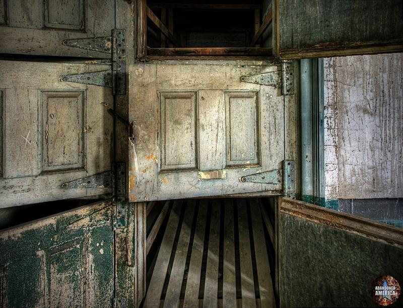 Ellis Island Immigrant Hospital | worlds die in them - Ellis Island Immigrant Hospital