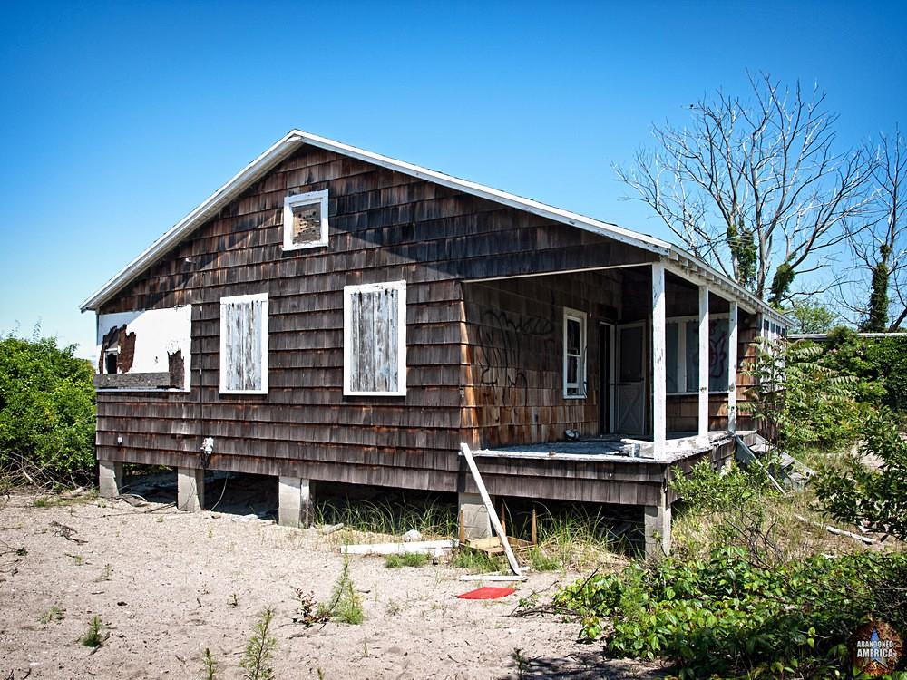 Long Beach, CT | Brown Cottage - Pleasure Beach and Long Beach