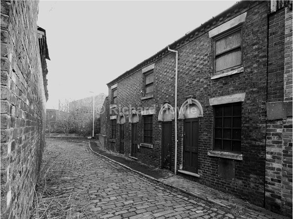 A View Over The Cobbles - Potteries Images