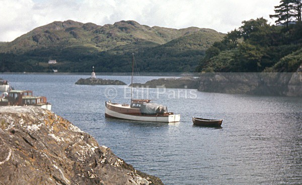 Caladh Harbour - Land and Sea