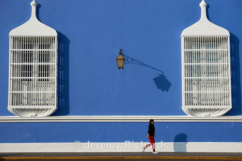 Walking in Trujillo - Peru