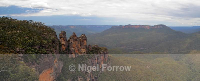 The Three Sisters & Mount Solitary - Australia