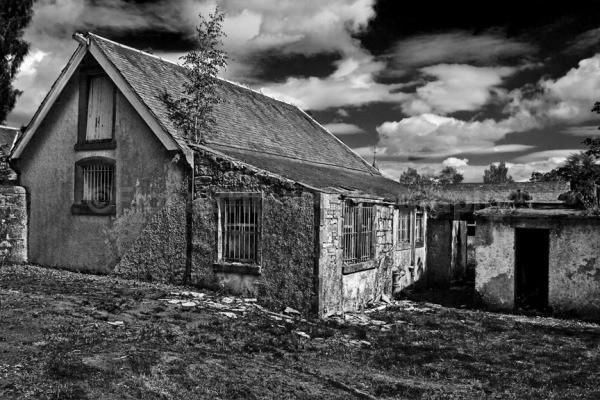 Pirniehall-28 - Architecture