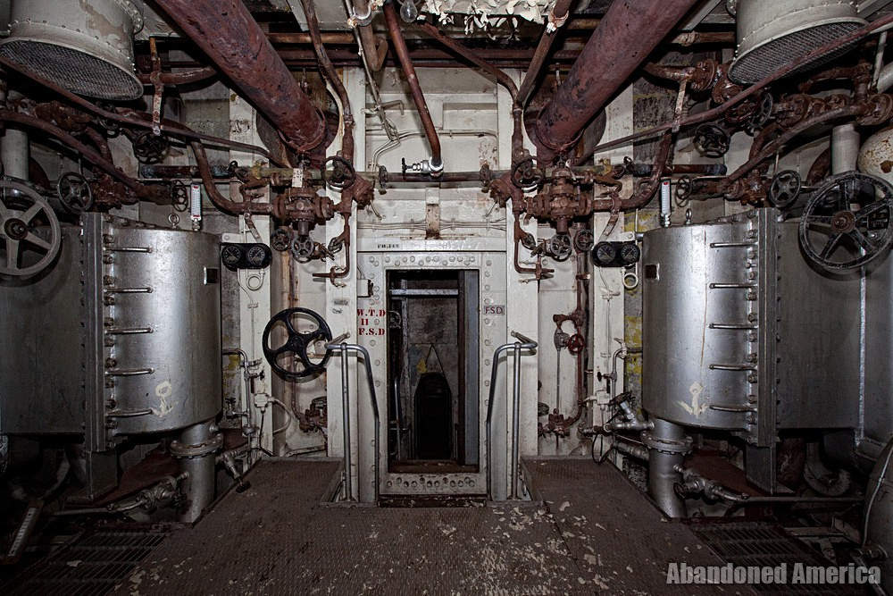 Engine Room Descent | SS United States (Philadelphia, PA) - SS United States