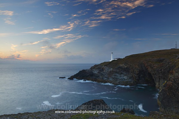 Trvose Lighthouse.    ref 8799 - Cornwall
