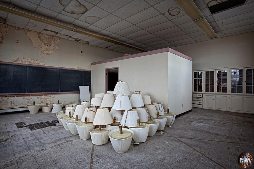 Central Junior High School (Chambersburg, PA)   Lampshade Pyramid - Central Junior High School