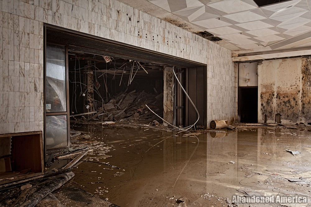 Randall Park Mall (North Randall, OH) | Filthy Water - Randall Park Mall