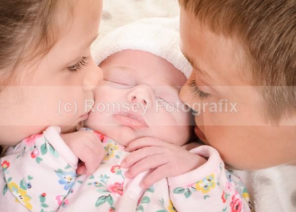 su 110 - NEWBORNS AND BABIES