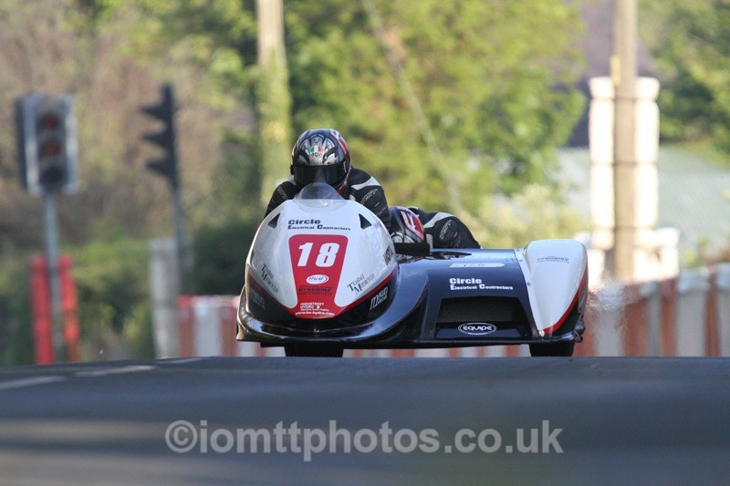 IMG_5487 - Thursday Practice - TT 2013 Side Car