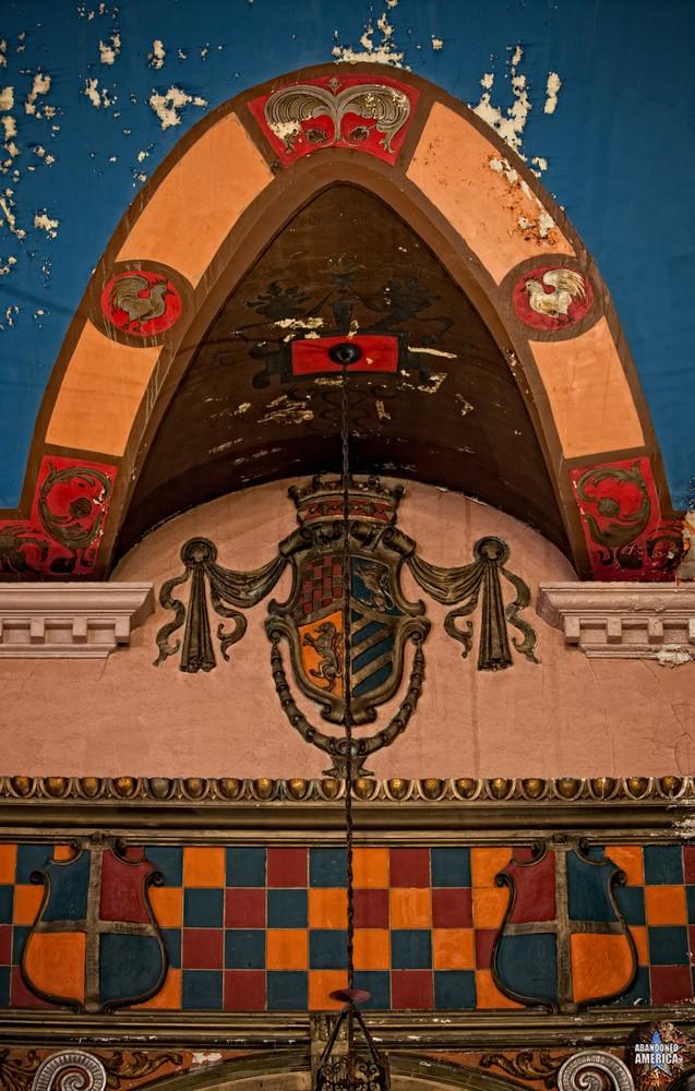 The Lansdowne Theatre | Ornament Detail - The Lansdowne Theater