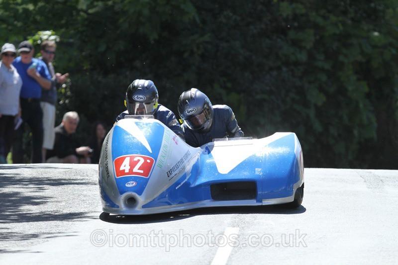 IMG_2422 - Sidecar Race 2 - TT 2013