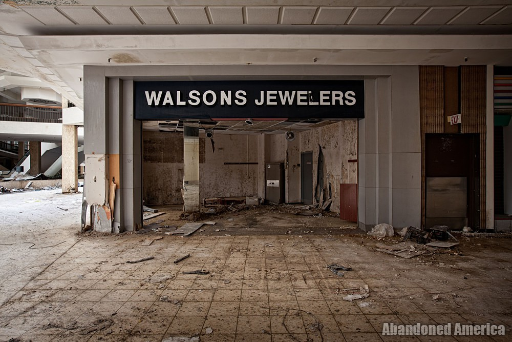 Randall Park Mall (North Randall, OH) | Walsons Jewelers - Randall Park Mall