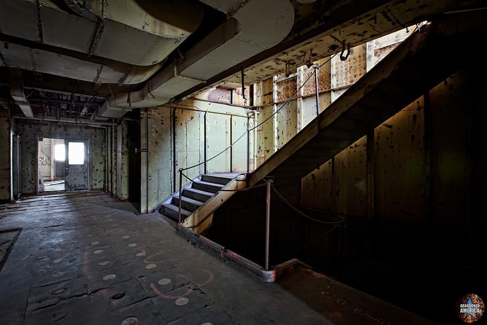 Slice of Light | SS United States (Philadelphia, PA) - SS United States