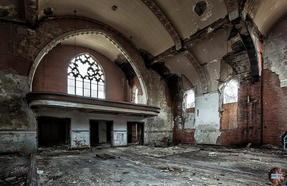 - Holy Trinity Roman Catholic Church