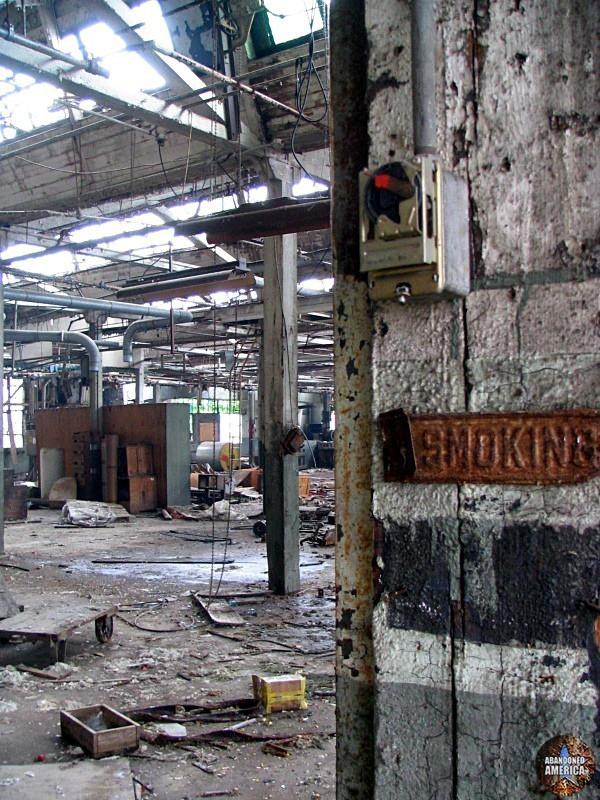 Raymark Industries (Manheim, PA) | No Smoking - Raymark Industries