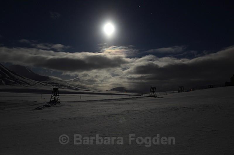 Adventdalen at full moon 5017 - Polar night
