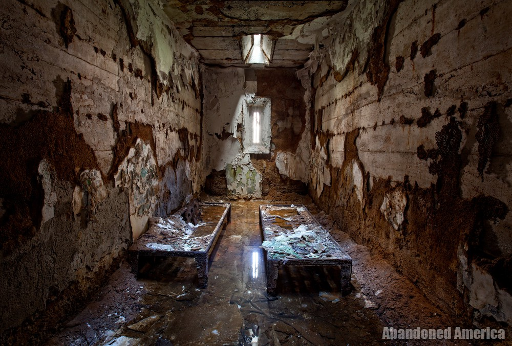 Flooded abandoned cell, Holmesburg Prison, Philadelphia PA | Abandoned America by Matthew Christopher